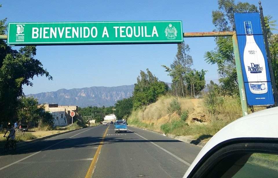 Panneau Tequila - 10 conseils essentiels pour un roadtrip au Mexique - Nomad Junkies
