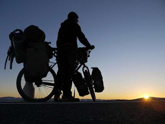 Route soleil - Portrait de nomade : 7 questions à Stephen Fabes qui parcourt le monde à vélo - Nomad Junkies