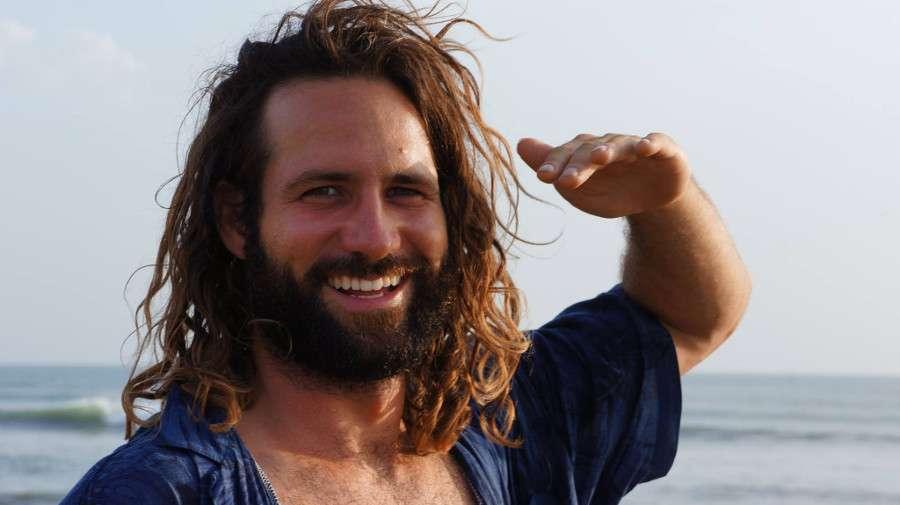 Salut Sébastien - Portrait de nomade Sebastion Surf Expedition - Nomad Junkies