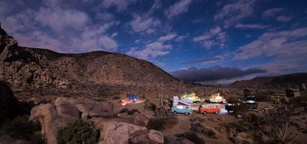 Désert Westfalia - Portrait de nomade : 7 questions à Julien de Go-Van - Nomad Junkies
