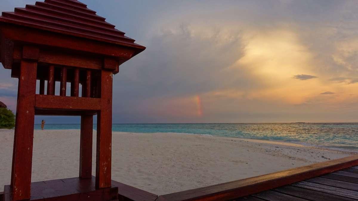 Arc-en-ciel matin - Maldives : 10 raisons pourquoi ça devrait être ta prochaine destination de rêve - Nomad Junkies