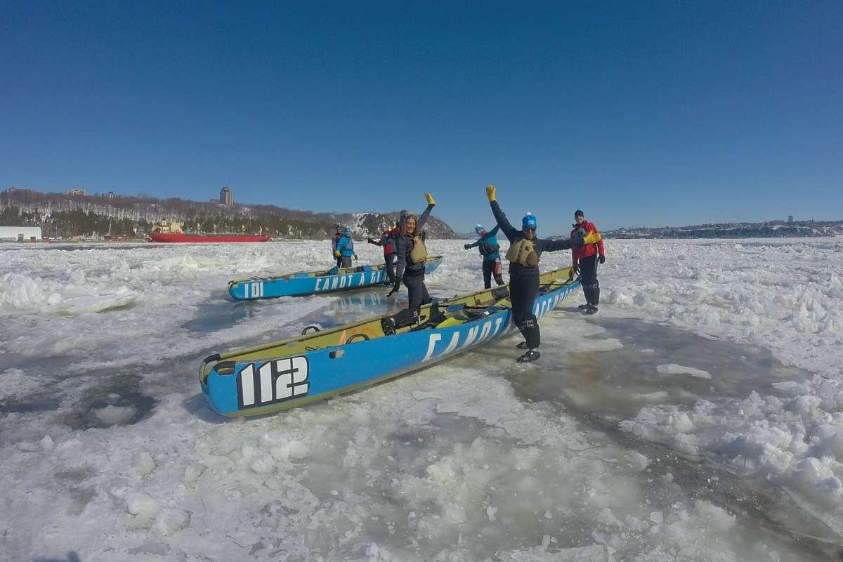 Canot Fleuve - 5 activités d'hiver inusitées à Québec à essayer au moins une fois dans sa vie - Nomad Junkies