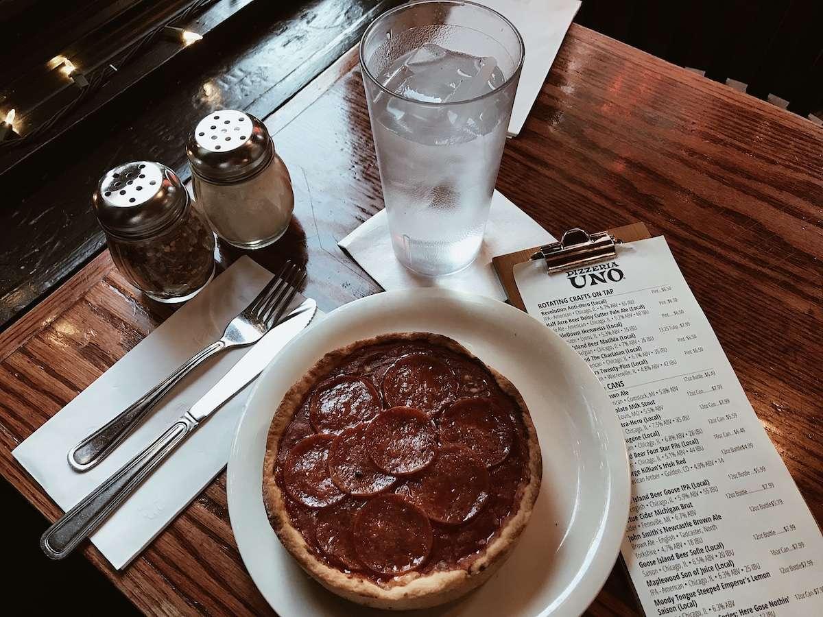 Deep Dish Pizza - Escapade à Chicago : mon crush du temps des Fêtes - Nomad Junkies