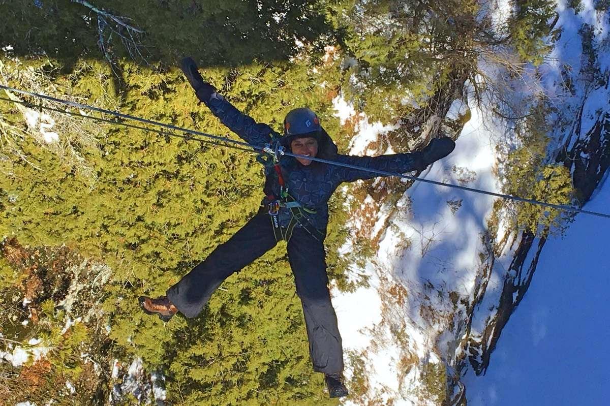 Tyrolienne - 5 activités d'hiver inusitées à Québec à essayer au moins une fois dans sa vie - Nomad Junkies