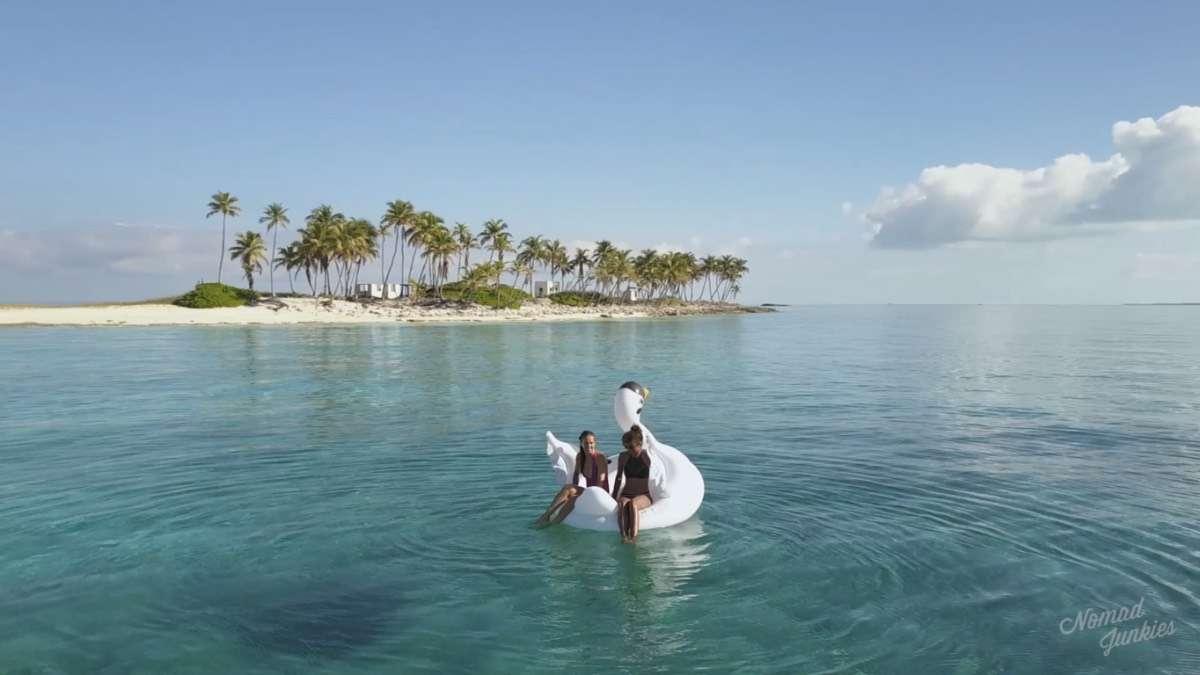 Alex & Eb Swan - Épisode 5 : aux Bahamas – Génération Nomade - Nomad Junkies