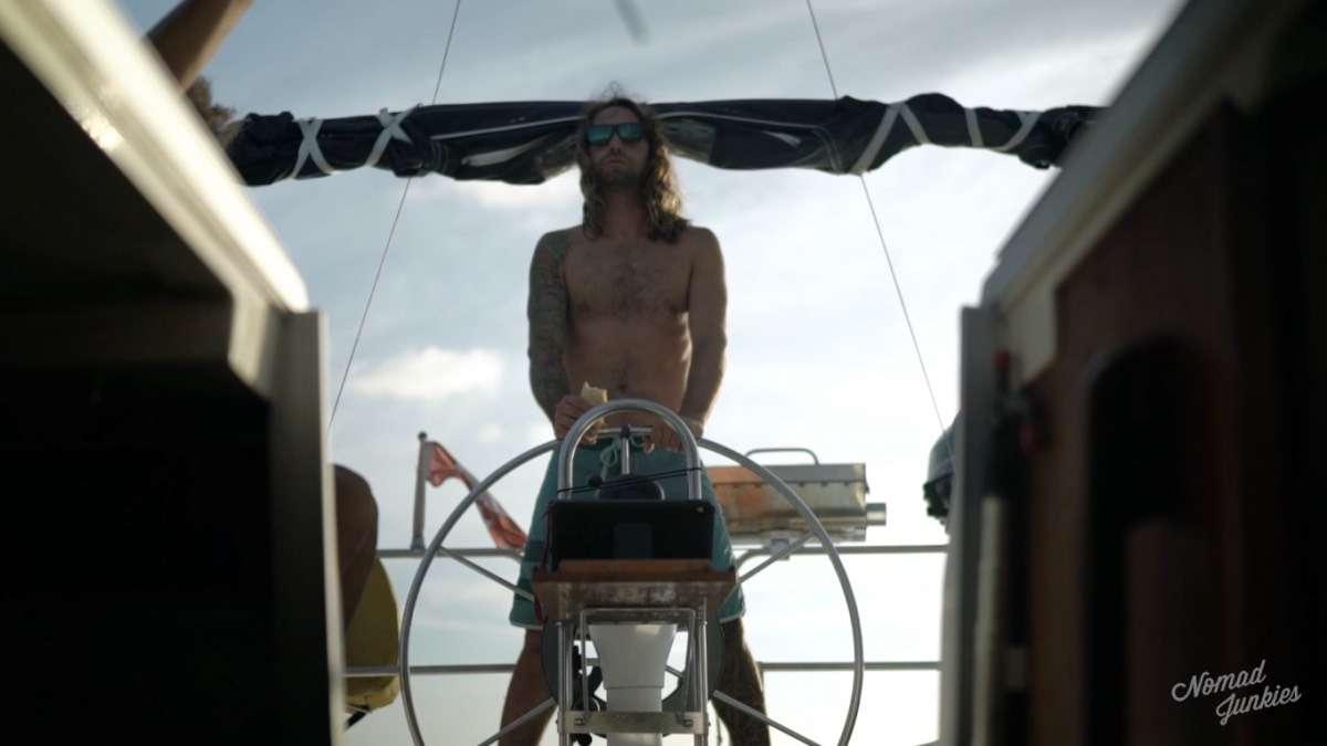 Julien Capitaine - Épisode 5 : aux Bahamas – Génération Nomade - Nomad Junkies
