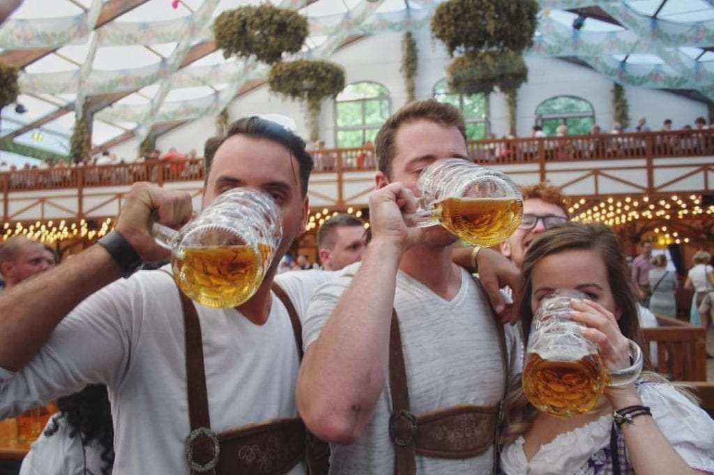 Oktoberfest (Munich) - Top 20 des endroits à explorer avant de mourir - Nomad Junkies