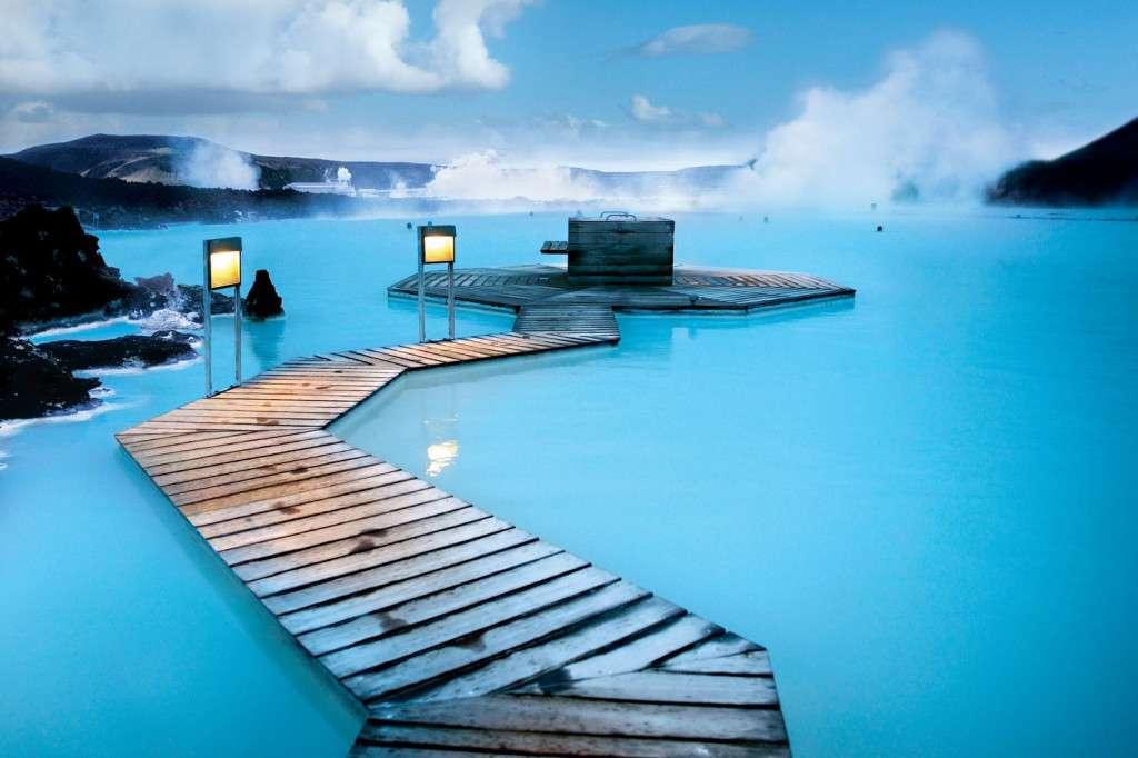 Lagon Bleu (Islande) - Top 20 des endroits à explorer avant de mourir - Nomad Junkies