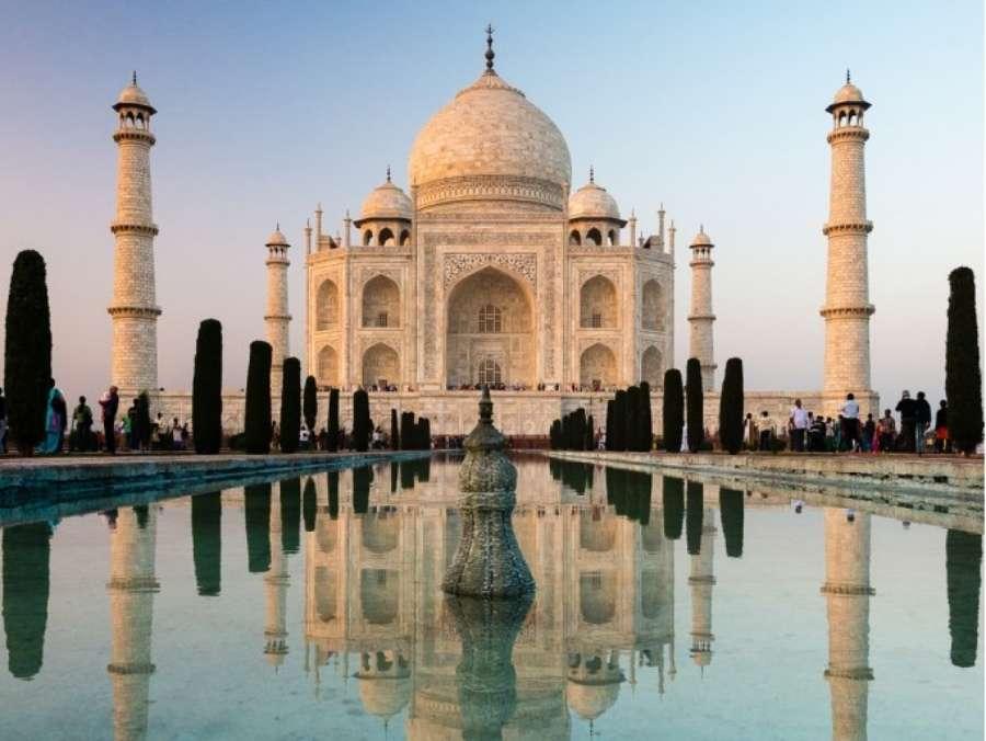 Taj Mahal (Inde) - - Top 20 des endroits à explorer avant de mourir - Nomad Junkies