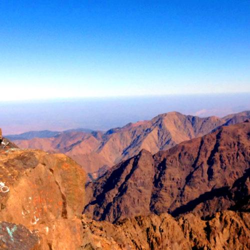 Fais-le par toi-même : L'ascension du plus haut mont d'Afrique du Nord