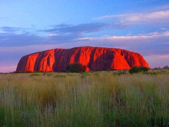 Ayers Rock (Australie) - Top 20 des endroits à explorer avant de mourir - Nomad Junkies