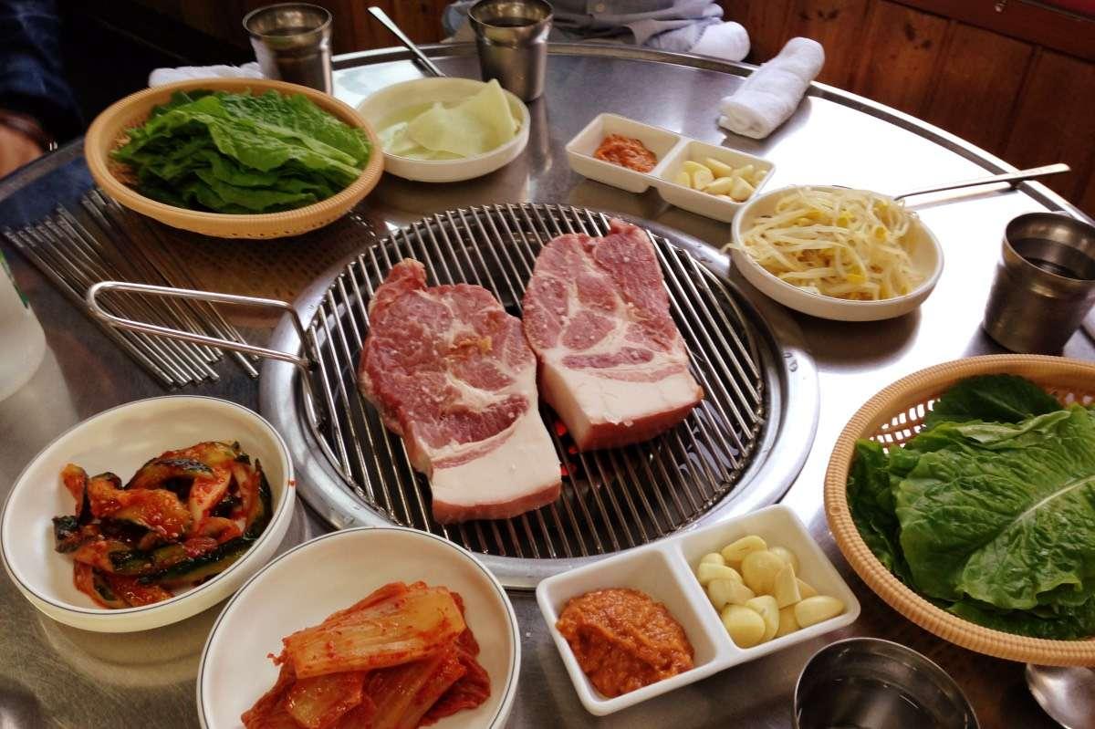 BBQ Coréen - L'île de Jejudo : Le Hawaï de la Corée - Nomad Junkies