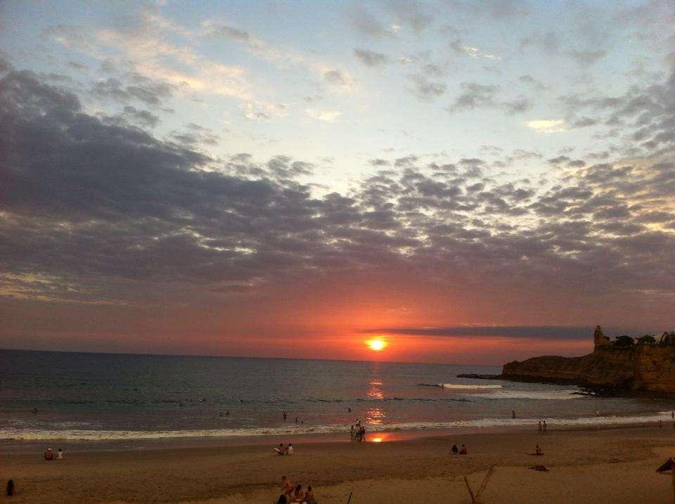Sunset La Punta - 5 raisons de faire la fiesta à Montanita - Nomad Junkies