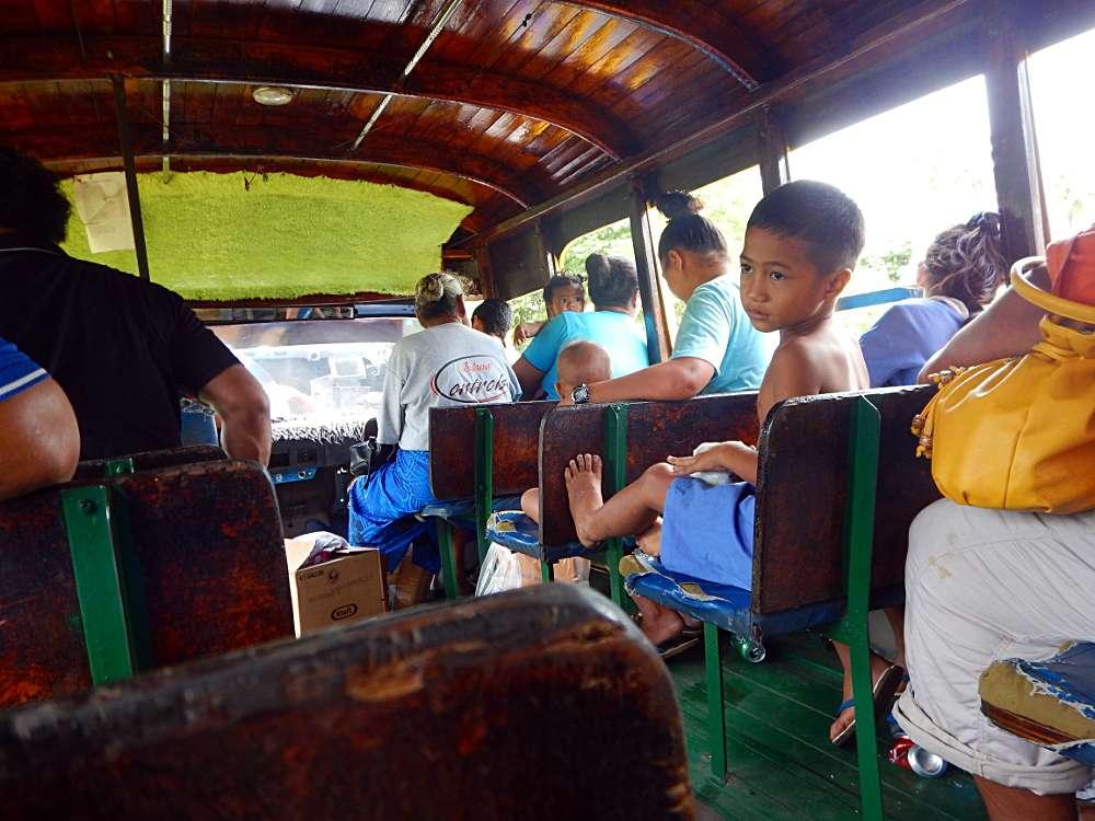 Voyager en sac à dos Polynésie îles Samoa bus