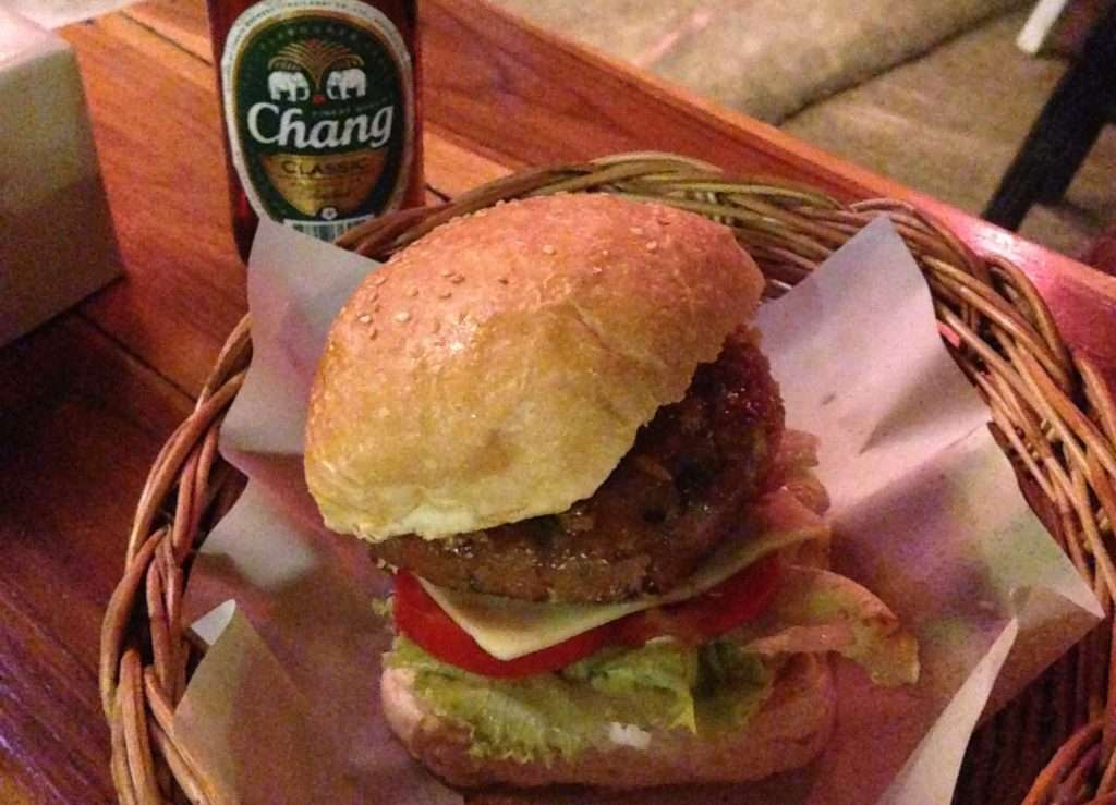 Maya Burger Queen - 7 merveilles de Pai - Nomad Junkies