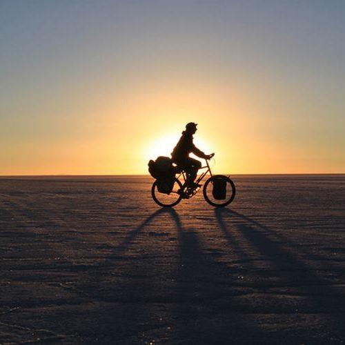 Portrait de nomade : Stephen Fabes, l'homme qui parcourt le monde à vélo depuis 5 ans