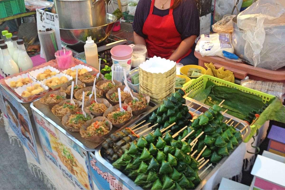 Street Food - 50 signes que tu es un backpacker en Asie du Sud-Est - Nomad Junkies