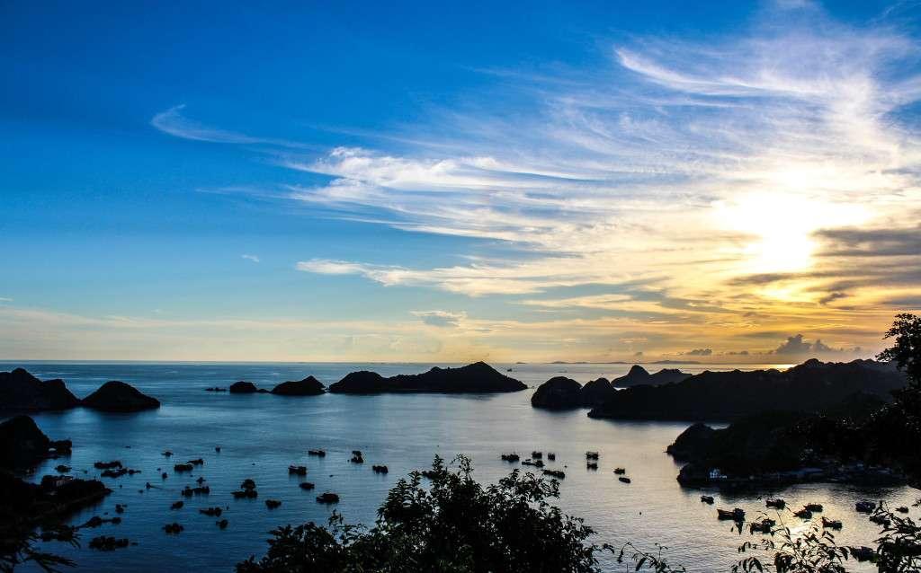 Baie d'Halong, Vietnam - Mon tour du monde en couchers de soleil - Nomad Junkies