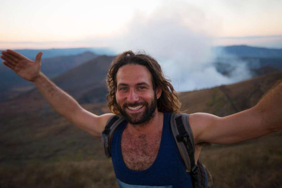 Sébastien volcan - Portrait de nomade Sebastion Surf Expedition - Nomad Junkies