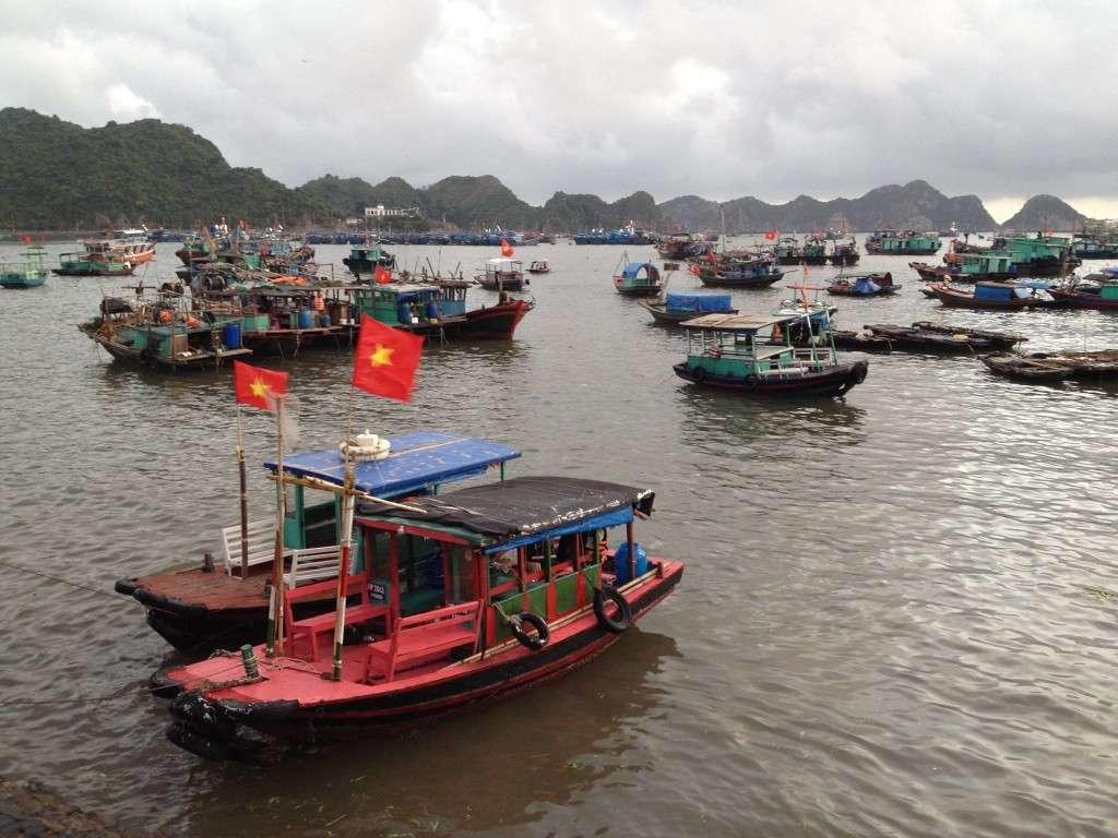 Bateau Halong Bay - Récit de nomade : Motorcyle Diary au Vietnam - Nomad Junkies
