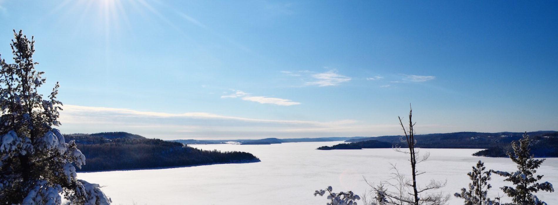 La pureté de la beauté hivernale de l'Abitibi-Témiscamingue