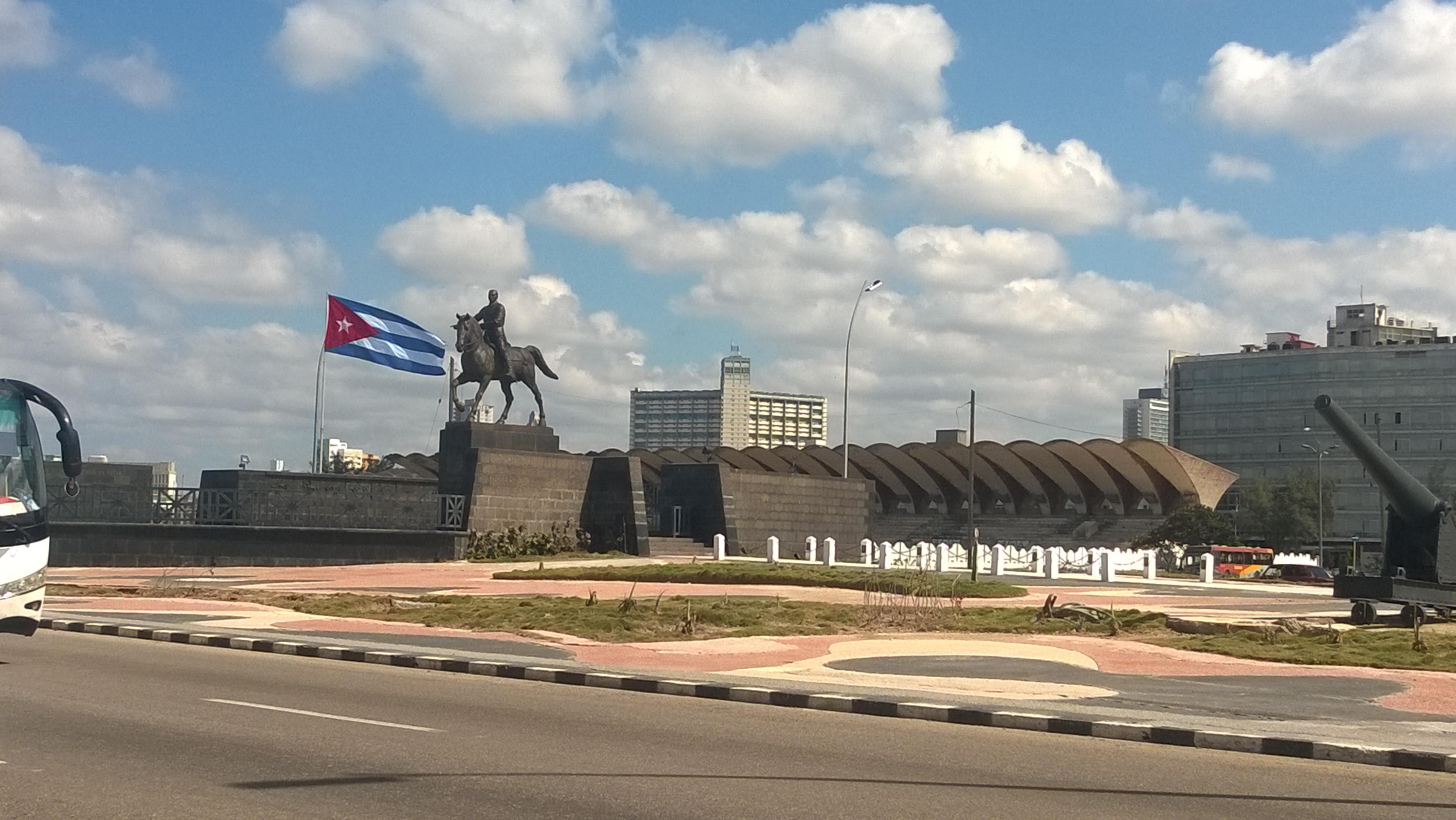 Malecon - Cuba : Un paradis inexploré pour les backpackers - Nomad Junkies