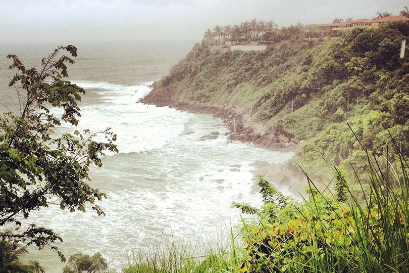 Plage - Le trip de moto d'une vie jusqu'au Guatemala - Nomad Junkies