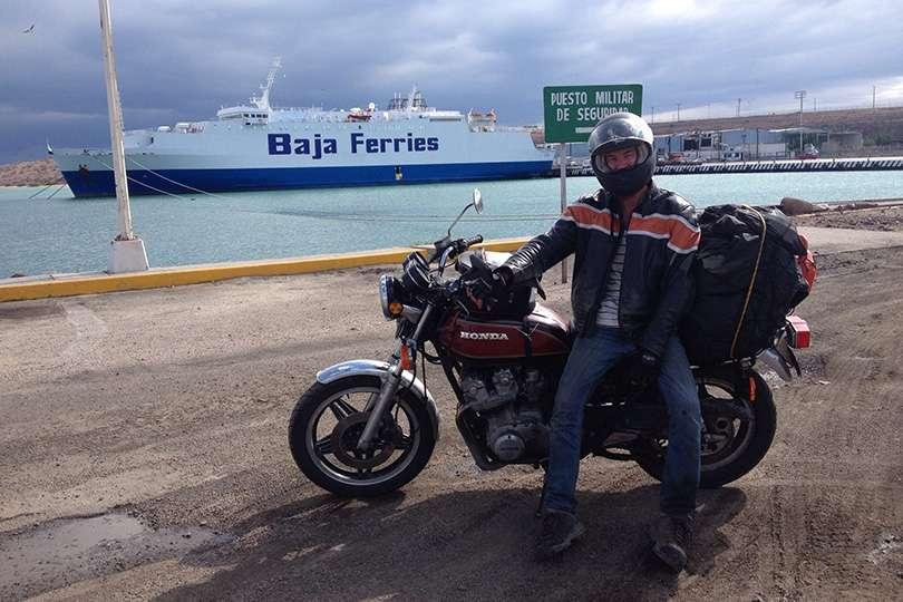Traversier Baja Mexique - Le trip de moto d'une vie jusqu'au Guatemala - Nomad Junkies