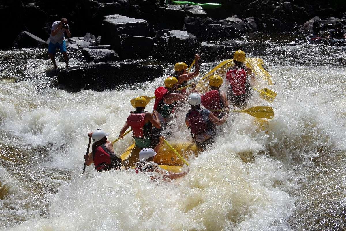 L'expérience Torrent : Kayak, rivières, filles et fiesta - Nomad Junkies