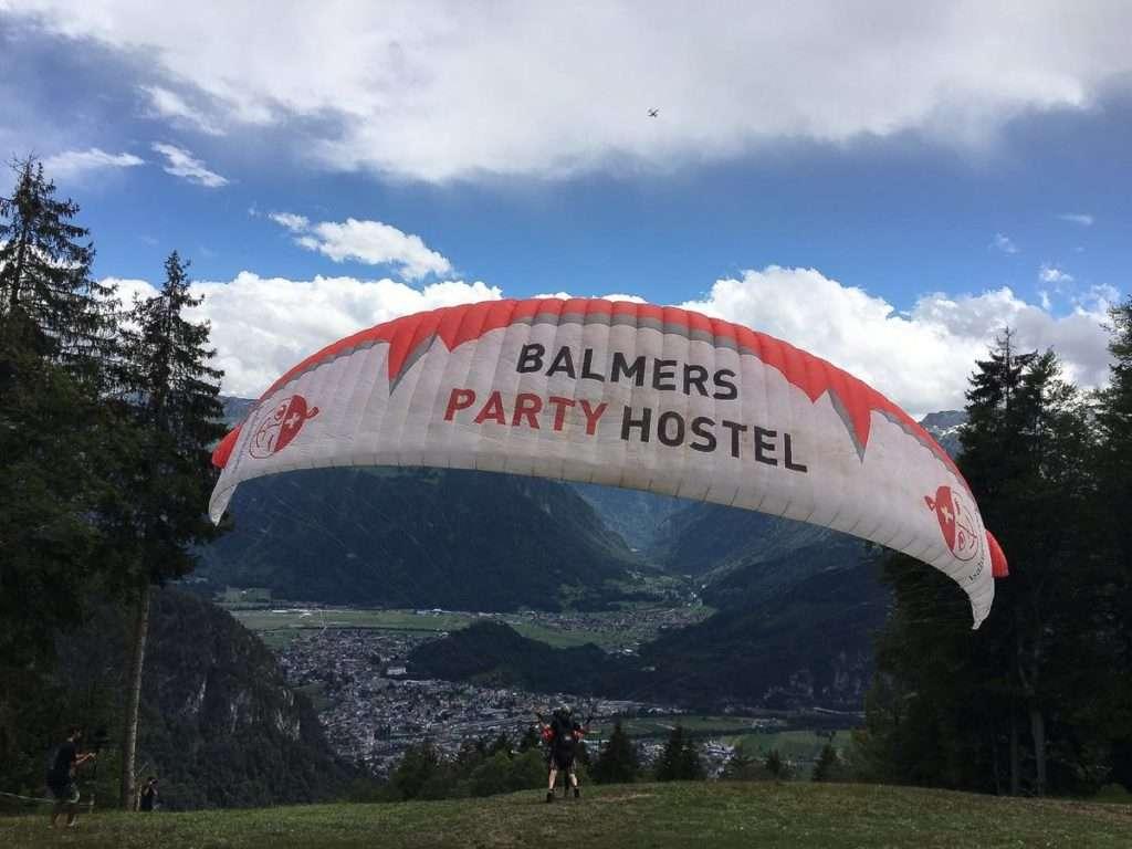 Balmers - Top 10 des auberges de jeunesse de party en Europe - Nomad Junkies