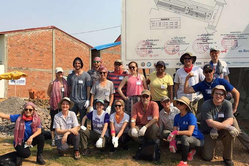 Équipe - Voyage humanitaire : 5 raisons de te lancer - Nomad Junkies