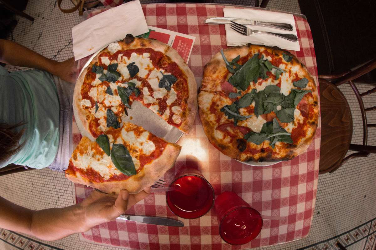 Little Italy pizza - New York - Nomad Junkies