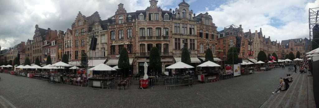 Oude Markt - Destination de nomade : Leuven - Nomad Junkies