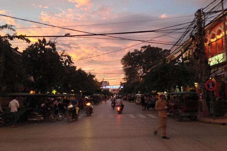 Expérience traumatisante au Cambodge : prison et Khmers rouges