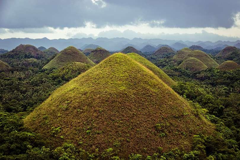 Chocolate Hills - Bohol et Cebu : deux îles hors des sentiers battus aux Philippines - Nomad Junkies