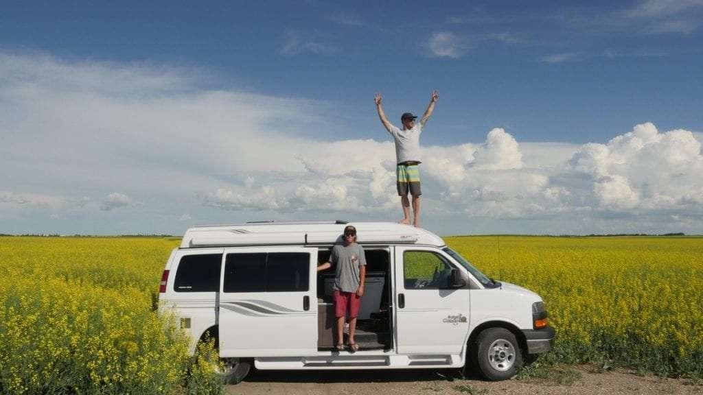 Alberta - Portrait de nomade : 7 questions à Julien de Go-Van - Nomad Junkies