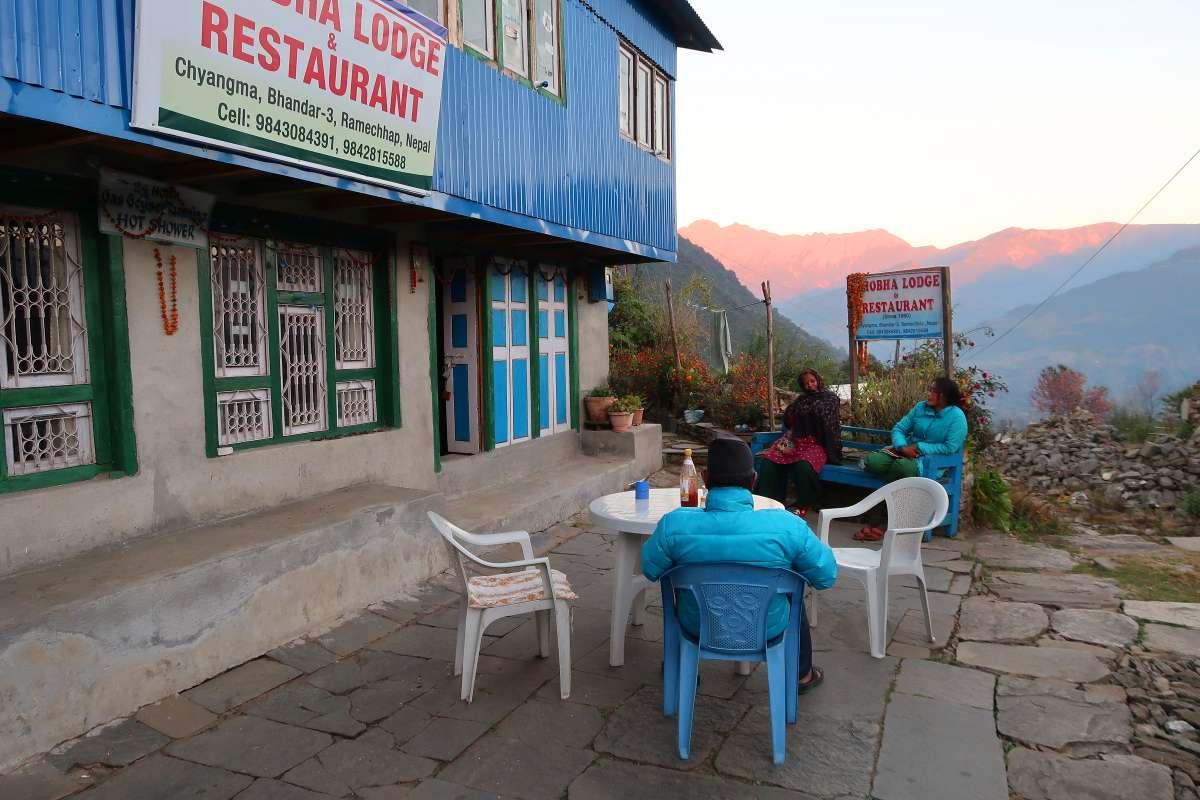 Restaurant - Voyager au Népal en backpack : 7 faits surprenants sur les «Tea Houses» - Nomad Junkies