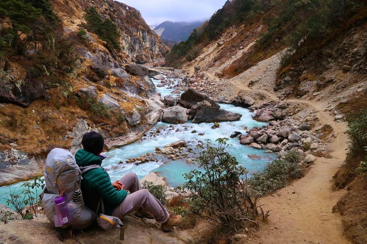 Rivière - Katmandou à l'Everest : 21 jours de trek par l'ancienne route - Nomad Junkies
