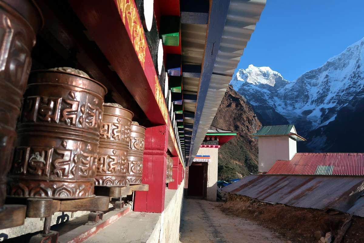 Temple - Katmandou à l'Everest : 21 jours de trek par l'ancienne route - Nomad Junkies
