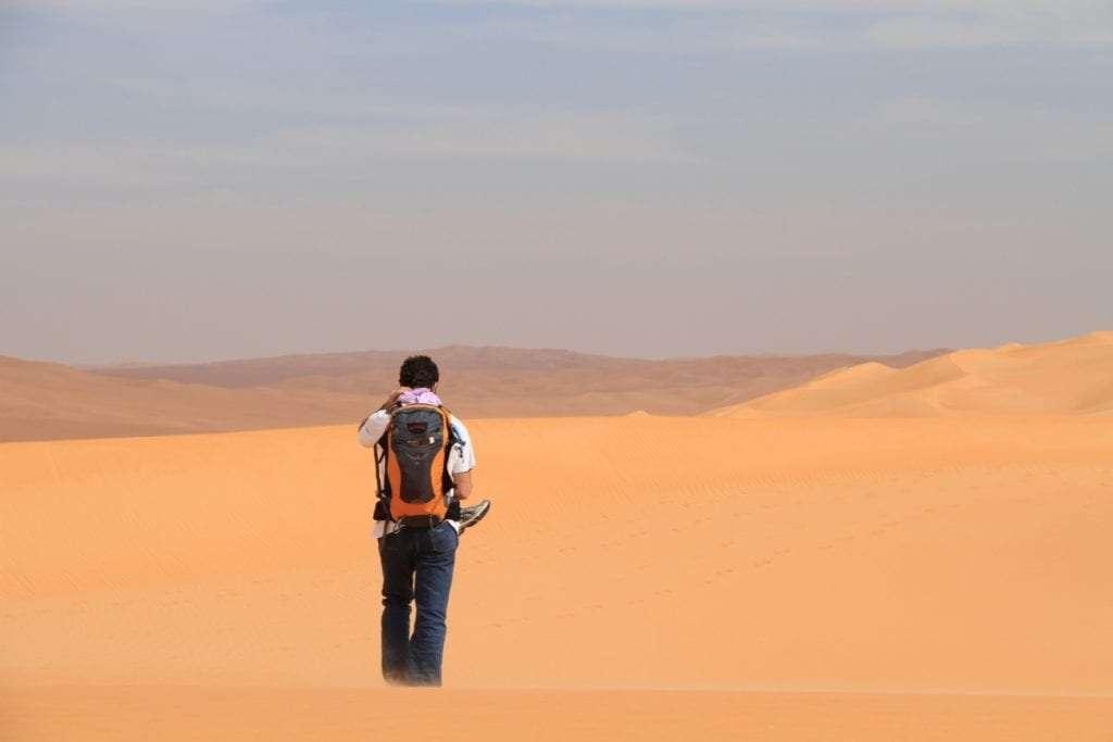 Désert - Portrait de nomade : 7 questions à Charles de Village Monde - Nomad Junkies