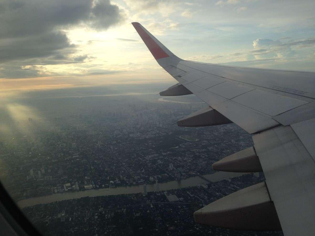 Vue de l'avion - Le cauchemar que tu ne veux pas vivre en avion - Nomad Junkies