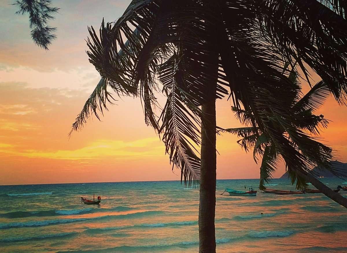 Coucher de soleil - Que faire quand ta tête te crie sans arrêt : PART EN VOYAGE - Nomad Junkies