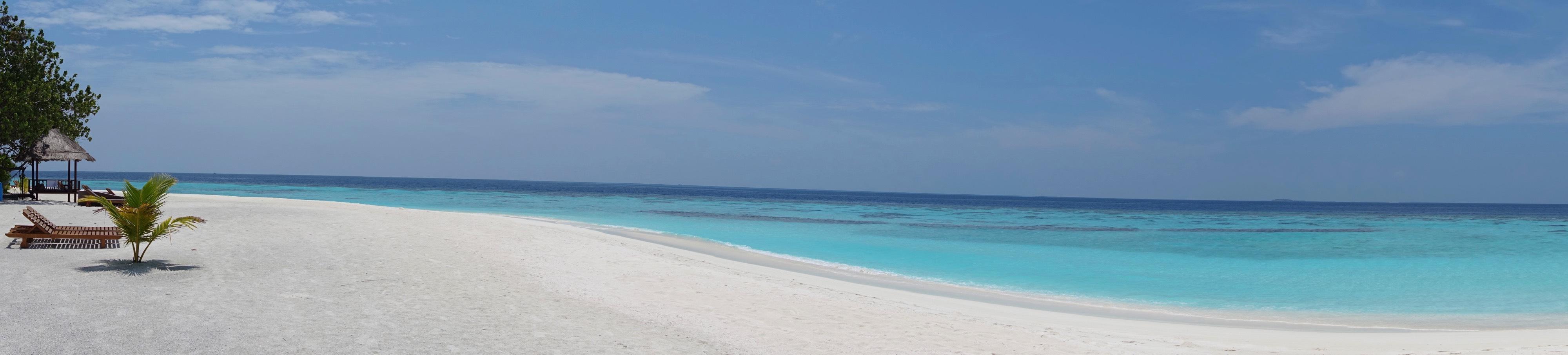 Plage Vabbinfaru - Maldives : 10 raisons pourquoi ça devrait être ta prochaine destination de rêve - Nomad Junkies