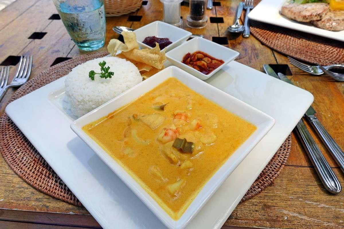 Seafood Curry - Maldives : 10 raisons pourquoi ça devrait être ta prochaine destination de rêve - Nomad Junkies