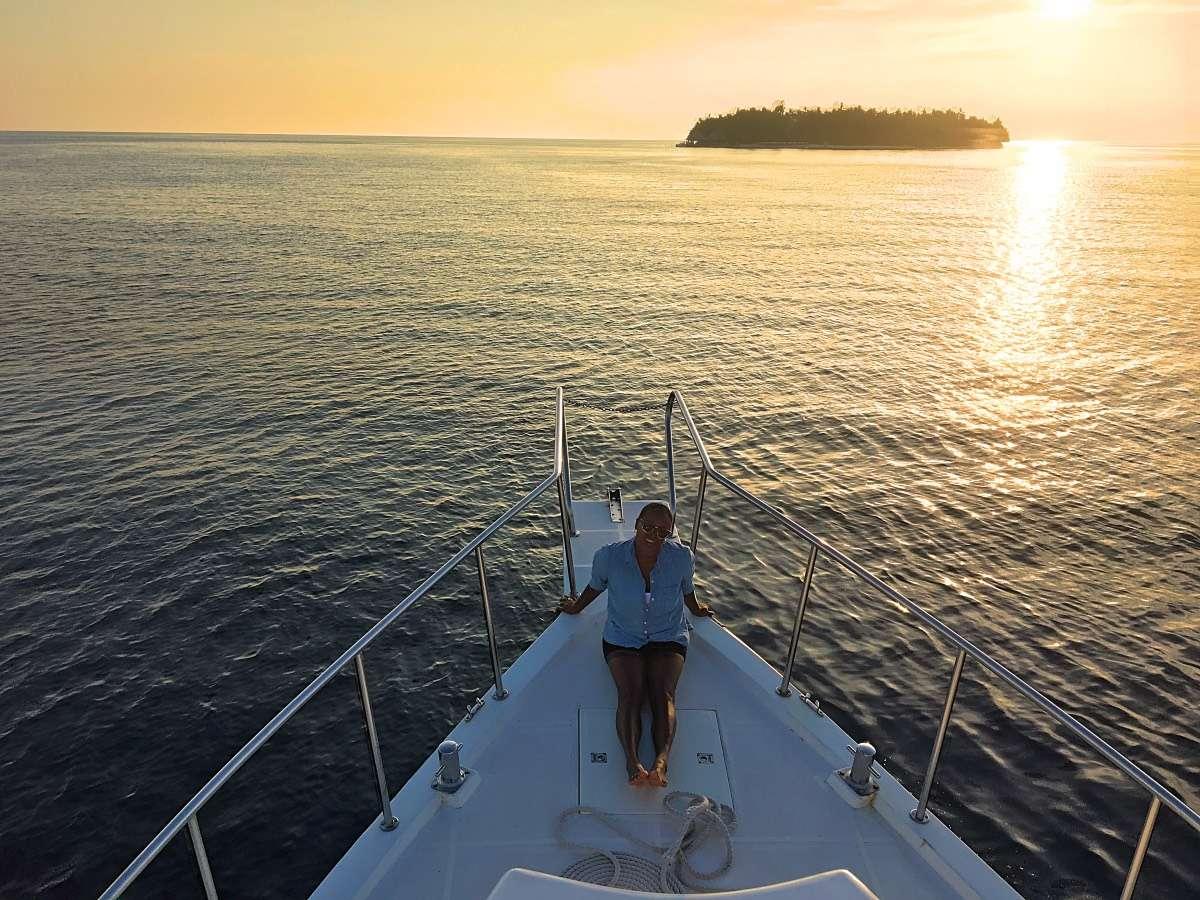 Coucher de soleil pêche - Maldives : 10 raisons pourquoi ça devrait être ta prochaine destination de rêve - Nomad Junkies