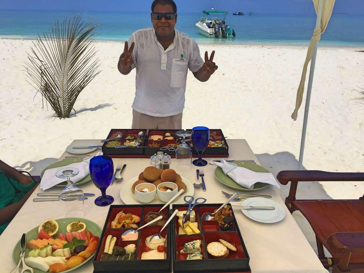 Lunch banc de sable - Maldives : 10 raisons pourquoi ça devrait être ta prochaine destination de rêve - Nomad Junkies