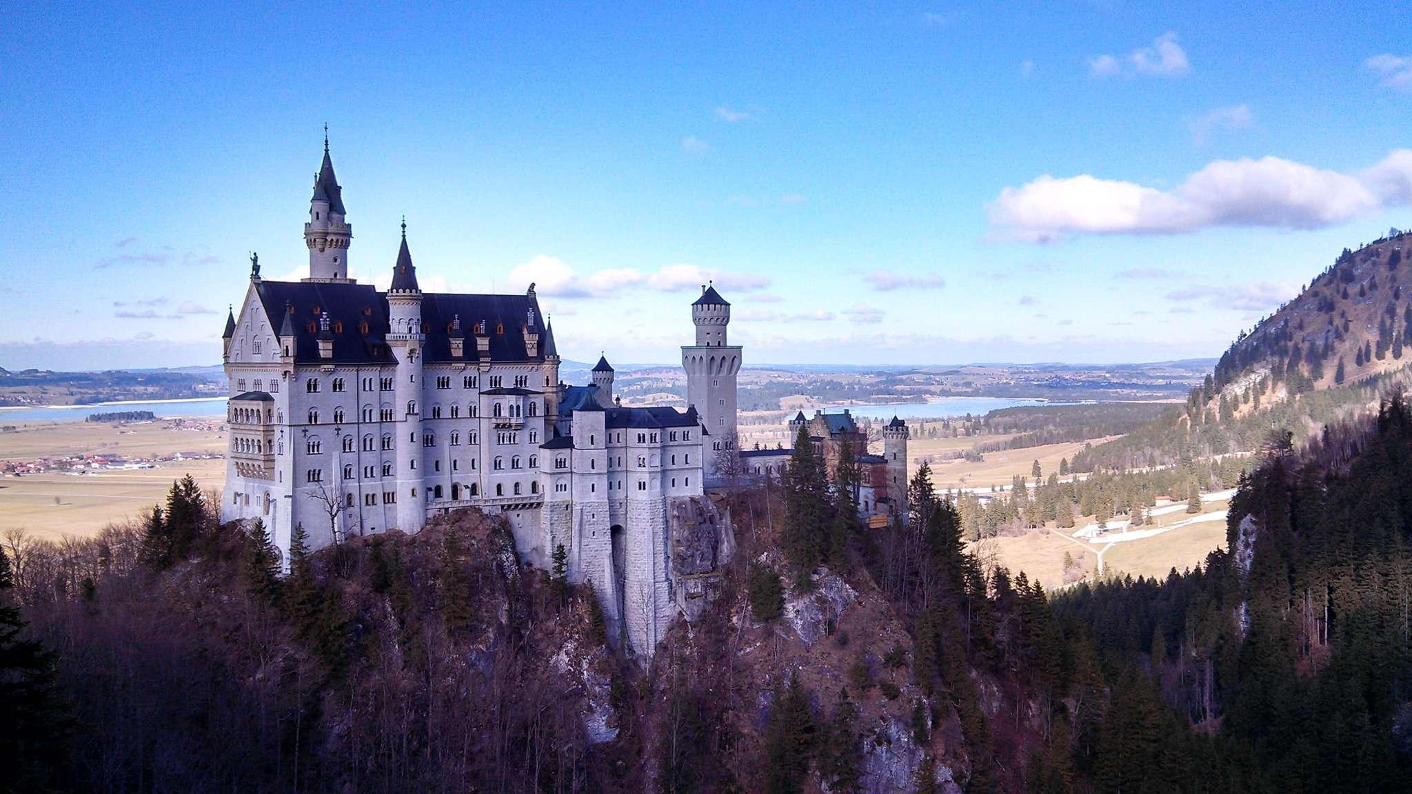 Château Neuschwanstein - 7 châteaux à visiter absolument lors de ton prochain Eurotrip - Nomad Junkies