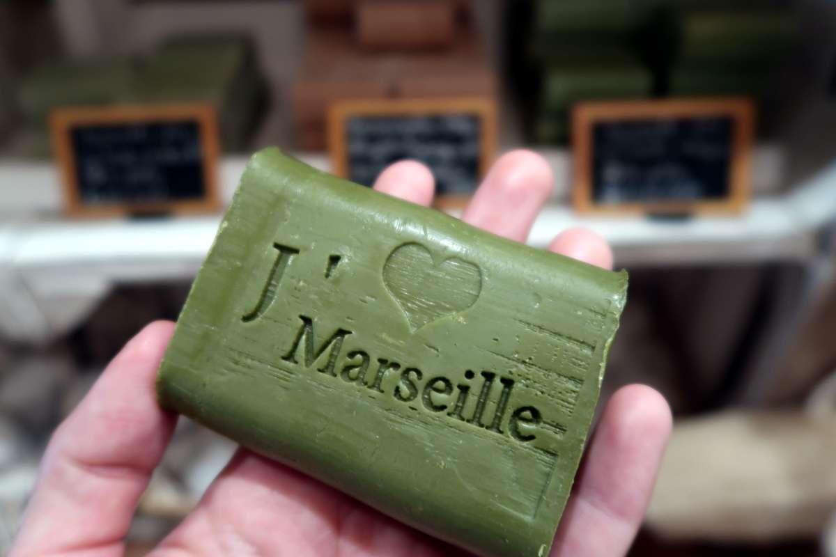 Atelier de fabrication de savon à Marseille - Nomad Junkies