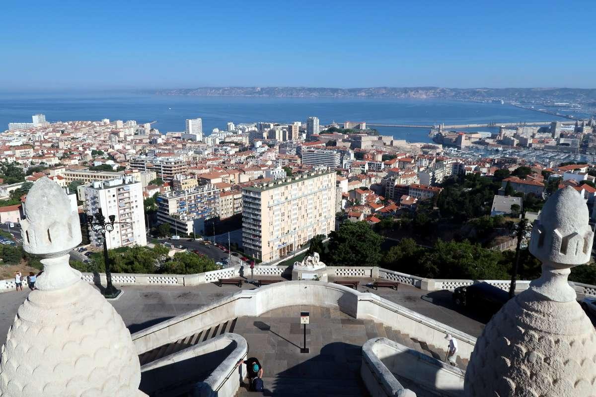 Bonne Mère - Envole-toi vers Marseille : découvre la «vibe» du Sud de la France - Nomad Junkies