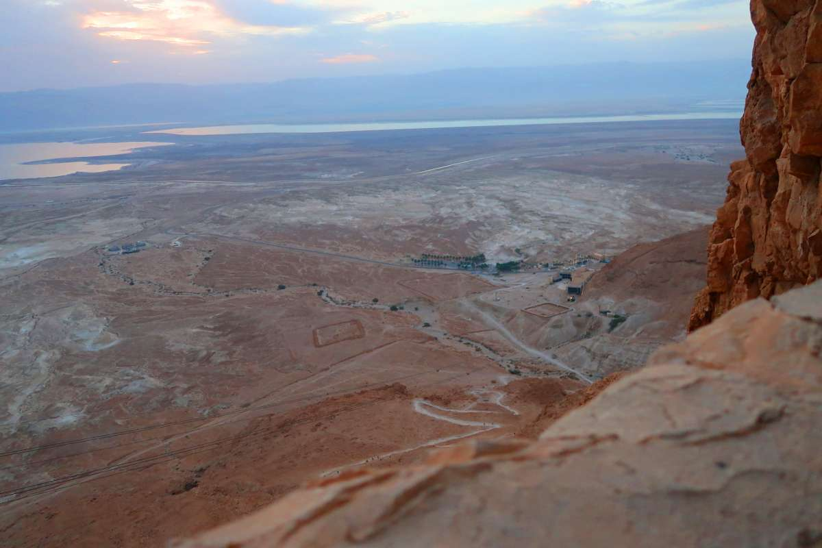 Masada Snake Path Israel - Voyager en backpack en Israël : 7 musts - NomadJunkies